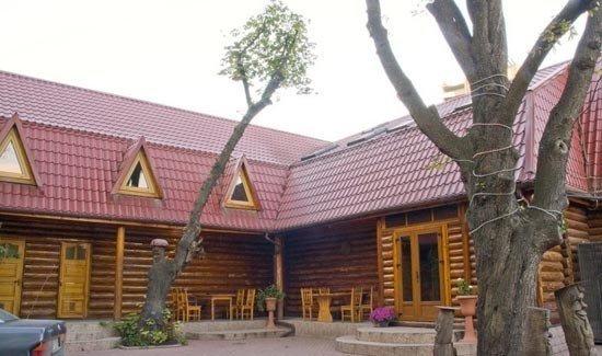 Неповторимый закарпатский колорит в солнечной Одессе! 2, 3, 4, 5 или 6 дней проживания для двоих, троих или четверых в отельно-ресторанном комплексе «Закарпатская колыба» от 280 грн.!