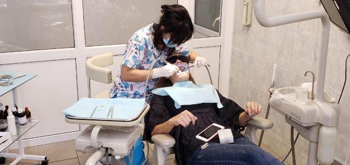 Скидка на отбеливание зубов с фторированием в Клинике израильской стоматологии
