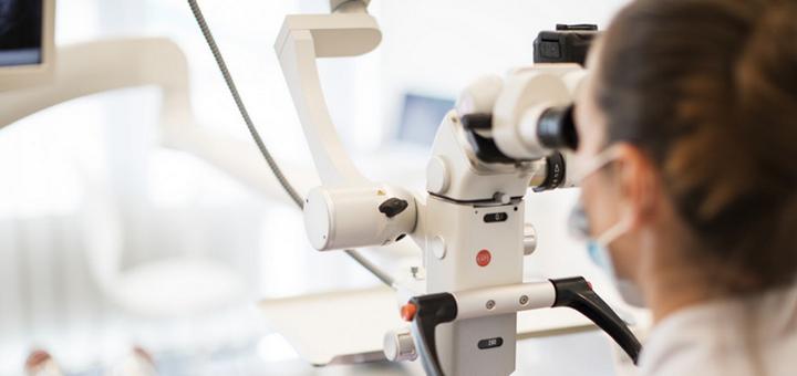 Скидка 30% на установку импланта «Straumann» в стоматологическом центре «Silk»