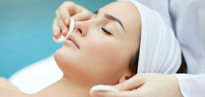 До 3 сеансов комбинированной чистки лица с гликолиевым пилингом в салоне «Astoria Beauty&Spa»