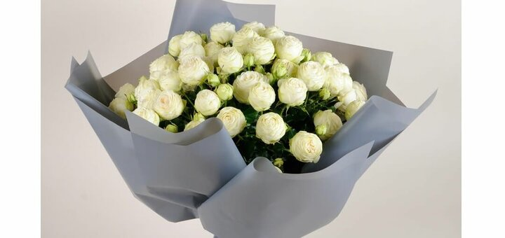 Скидка 5% на букет из роз Сноу Ворлд от «Камелия»