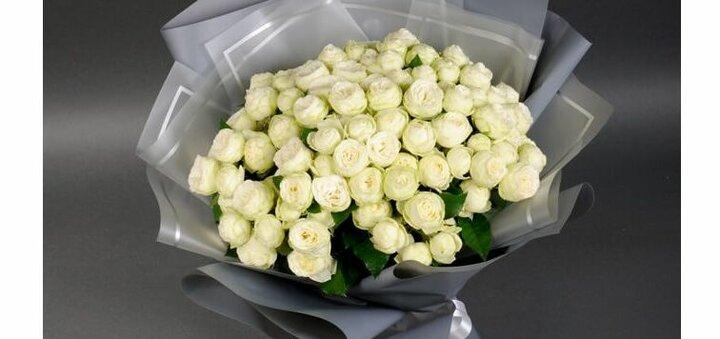Скидка 5% на букет Сноу Ворлд из 19 роз от «Камелия»