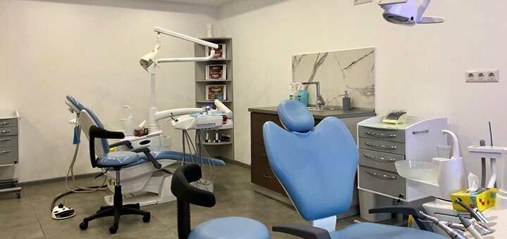 Скидка до 42% на установку имплантов в стоматологической клинике «Diva Dent»