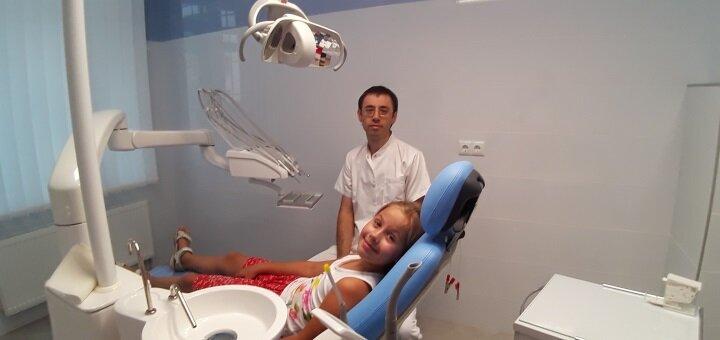 Скидка до 64% на установку до 3 металлокерамических коронок в клинике «Журавлина»
