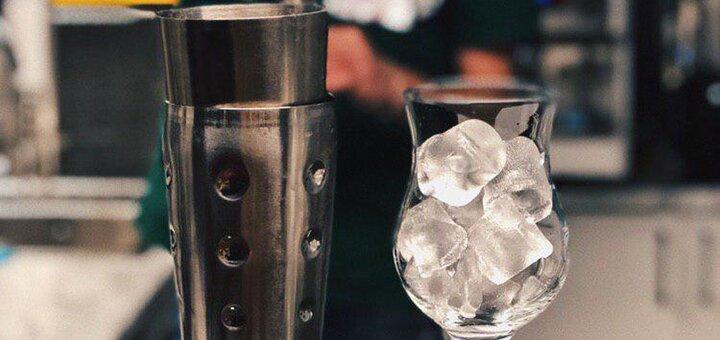До 4 коктейлей с сырной нарезкой в баре «Морфий»