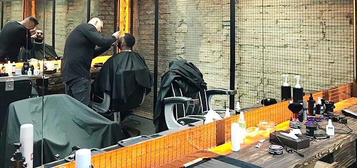 Мужская стрижка, укладка и коррекция бороды в барбершопе «Rebel»