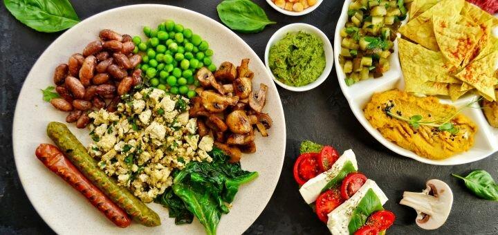 Скидка 50% на все меню кухни в кафе «Зелень»