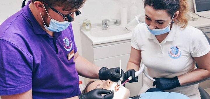 Профессиональная ультразвуковая чистка зубов с Air-Flow и пакетом «Royal-гигиена» в «СА-НАТА»