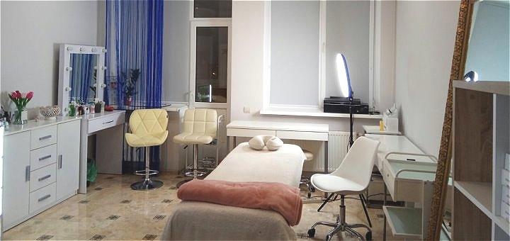 Перманентный макияж межресничного пространства и стрелочки в центре «Идеальный контур»