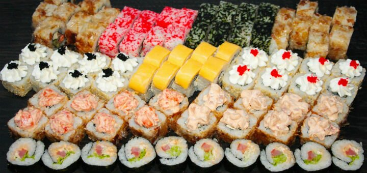 Скидка 50% на все суши, роллы и сеты от службы доставки «Sushi Time»