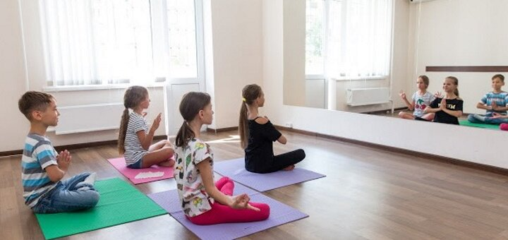 До 8 занятий йогой для детей в центре детского развития «Star Kids»