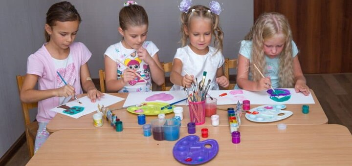 До 8 занятий живописью для детей в центре детского развития «Star Kids»