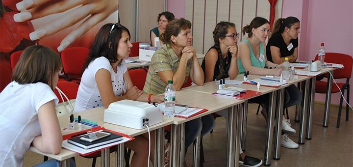 Курс обучения «Экспресс-френч акриловыми смайлами» в учебно-методического центре «Амарилис»