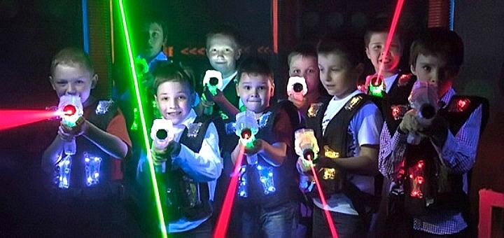 До 60 минут игры в лазертаг от арены «Лазерные бои» в РЦ «Блокбастер» в будние дни