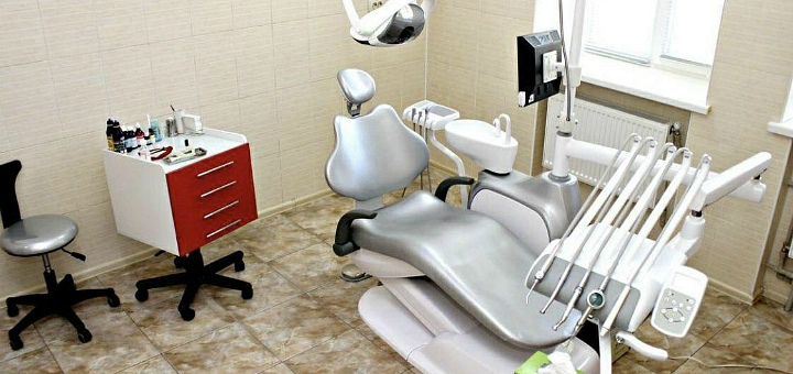 Скидка до 58% на ультразвуковую чистку зубов с Air-Flow в клинике «Эстет XXI век»