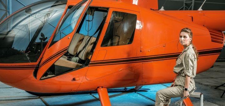 Скидка 68% на обзорный полёт для троих на вертолете над Киевом от авиакомпании «heli.com.ua»