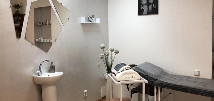 До 10 сеансов миостимуляции с антицеллюлитным обертыванием в центре красоты «Laser Med»