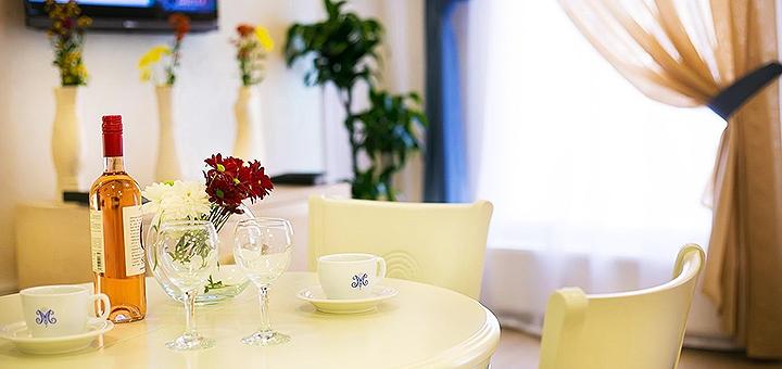 От 2 дней отдыха с завтраками в отеле «Metro Hotel Apartments» в самом центре Одессы