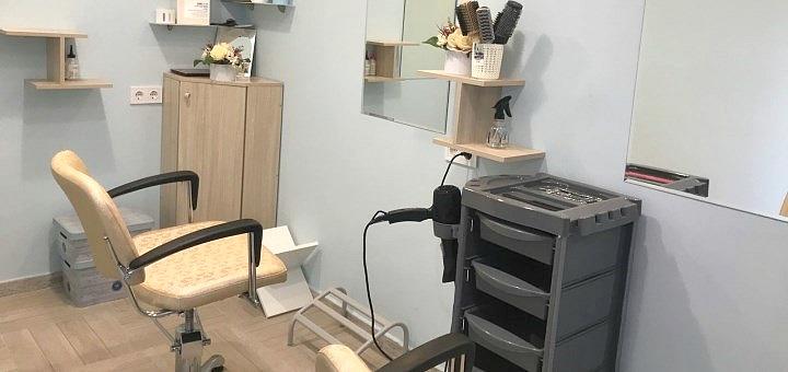 Экспресс-ламинирование, реконструкция, восстановление и полировка волос в салоне «Compliment»