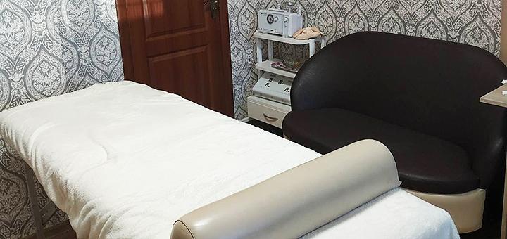 До 5 сеансов ручного массажа лица и зоны декольте в студии массажа «Чудеса прикосновений»