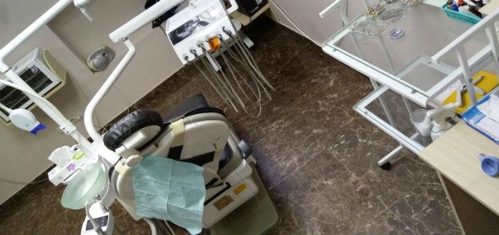 Скидка до 56% на установку металлокерамических коронок в стоматологии доктора Бондарука