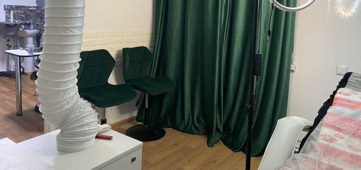 Ламинирование, реконструкция, окрашивание ресниц и укладка бровей в студии красоты «Lash Bar»