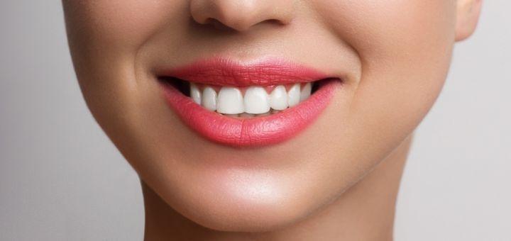 Скидка до 66% на профессиональное отбеливание зубов «Arde Lumine» в «InStom»