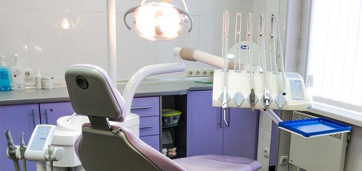 Ультразвуковая чистка с Air-Flow и полировка зубов в стоматологической клинике «Dv-Dent»