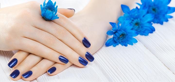Маникюр и педикюр с покрытием гель-лаком и наращивание ногтей в студии «Kulmatitskaya nails»