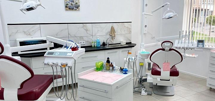 Лечение кариеса с установкой фотополимерной пломбы в стоматологии «TeethArt»