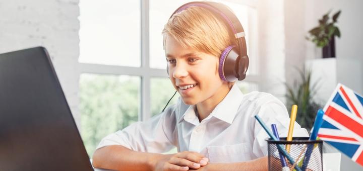 До 48 онлайн-занятий по изучению английского языка для детей в школе иностранных языков «Flash»