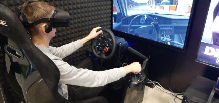 Скидка 50% на один час игры на аттракционе «Virtual Racing» от «Fatality Club»