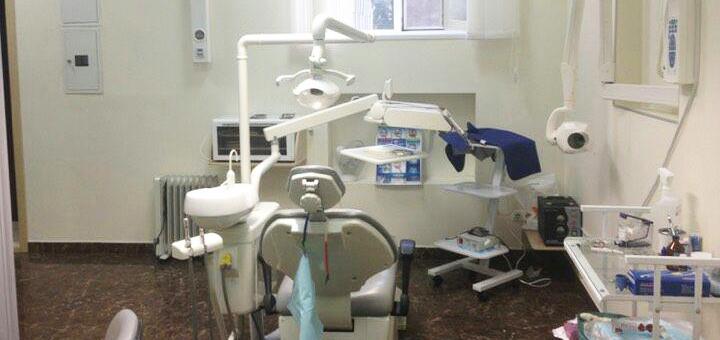 Лечение кариеса с установкой фотополимерных пломб в стоматологической клинике «TenDDenT»