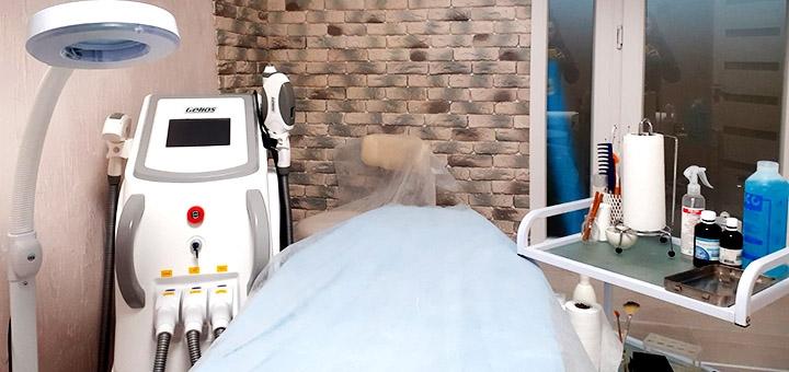 Механическая чистка лица с элос-лечением акне в студии красоты «Bogatkina Beauty Studio»