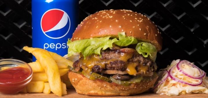 Скидка 40% на все меню от службы доставки «Burger Makers»