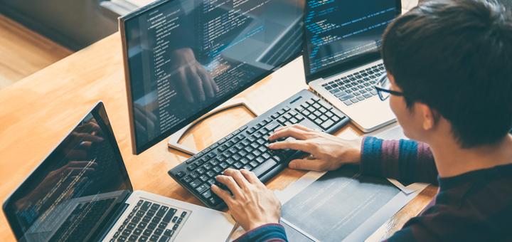 До 8 онлайн-занятий по курсу программирования «Python» от центра «JohnnyTeacher»