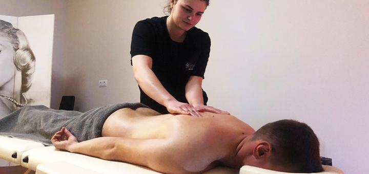 До 10 сеансов оздоровительного массажа спины в студии массажа «Медуза»