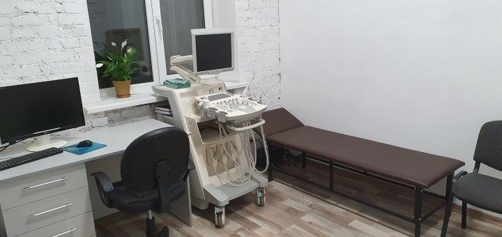Консультация кардиолога с ЭКГ и УЗИ сердца в медицинском центре «MedHouse»