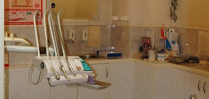 Установка пломбы и лечение кариеса в сети «Святого Аполлония», «Аранта» и «Стома-сервис»