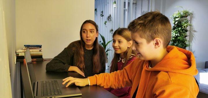 До 16 онлайн-занятий программированием для детей от школы программирования «Тинкер»