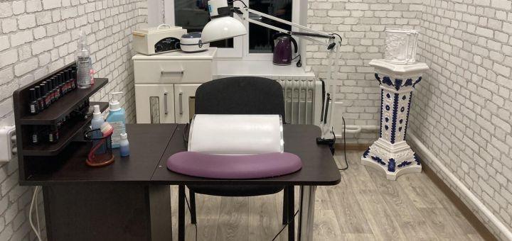 Маникюр или педикюр с покрытием гель-лаком в студии маникюра «Silk Nails»