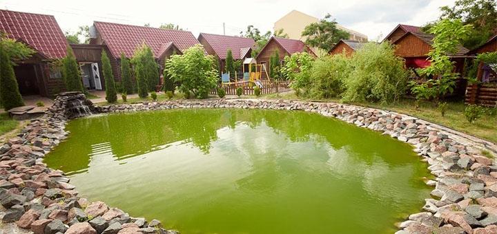 От 2 дней с завтраками, сауной и бассейном в загородном комплексе «Райский дворик» в Киеве