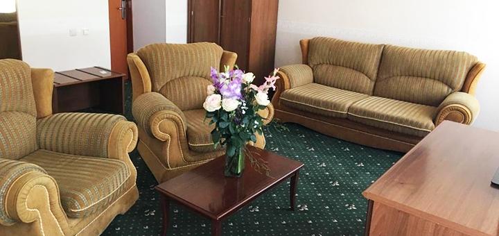 От 2 дней отдыха осенью с завтраками и посещением бассейна в отеле «Морской 4*» в Одессе